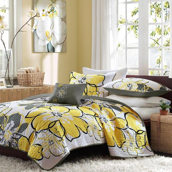 Twin XL Coverlet Set Yellow