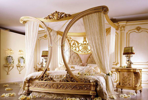 Elegant Canopy Bedroom Set