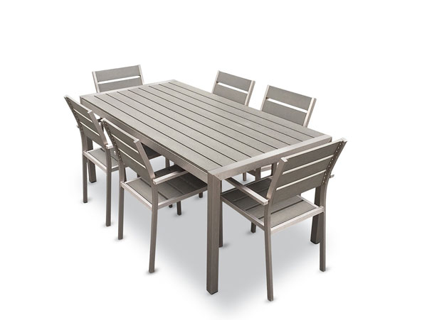 20 sturdy sets of patio furniture from cast aluminum for Aluminium patio furniture
