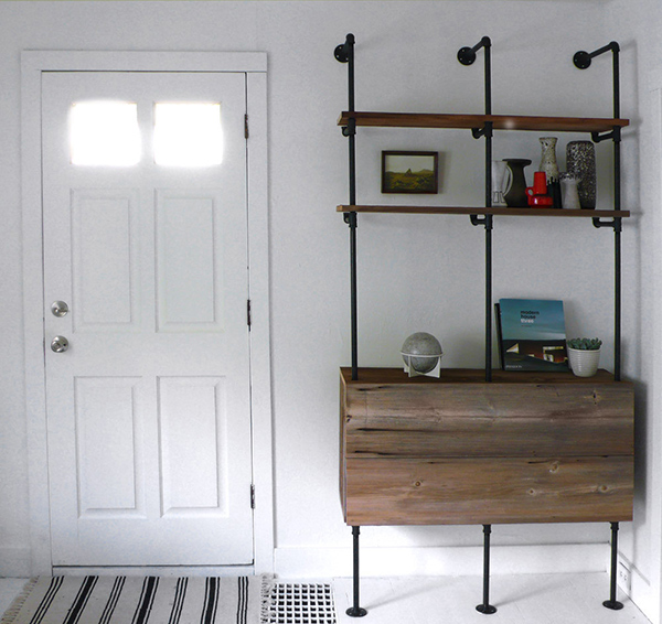 DIY Pipe and Reclaimed Wood Shelving Unit