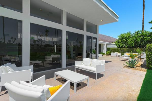 patio lounge area