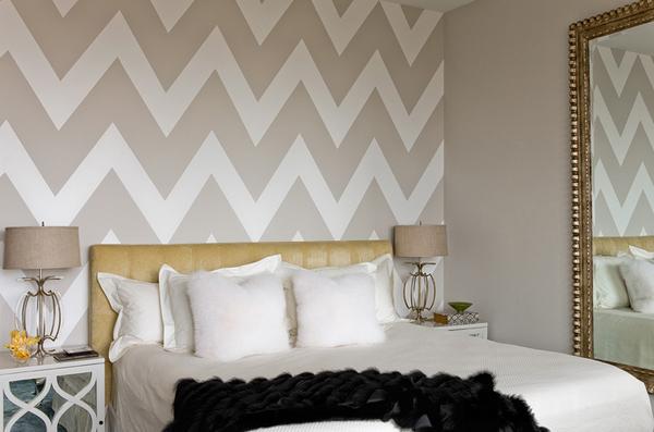 Penthouse bedroom bronze