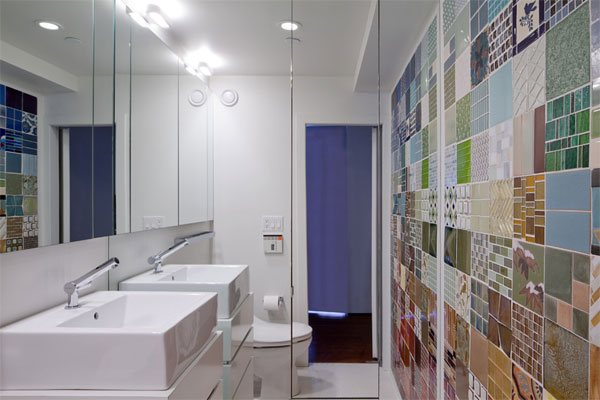 square tiles bathroom wall design
