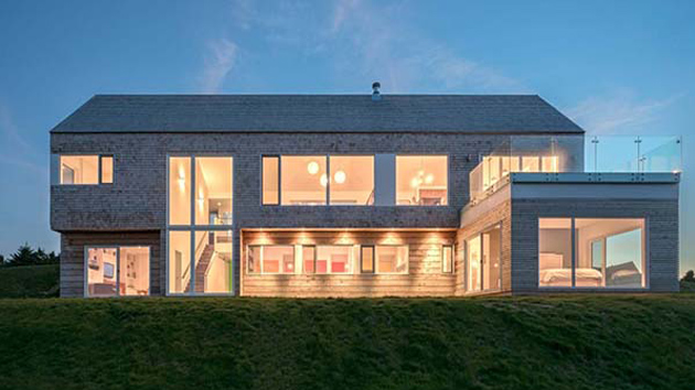 Lovely Hillside Harbour Heights Residence In Canada Home