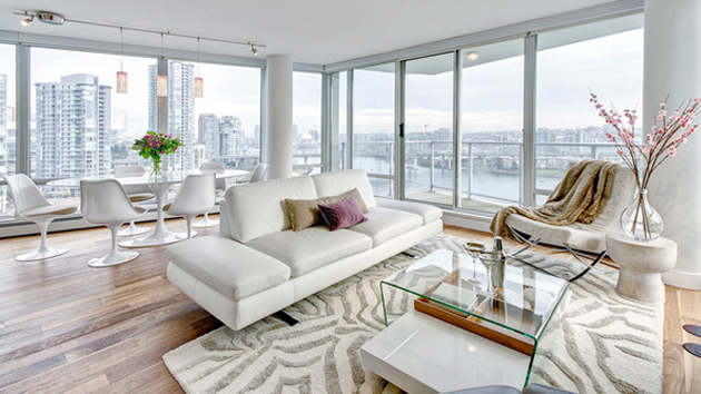 20 clean and gorgeous white sofa living room home design lover - Living Room With White Sofa