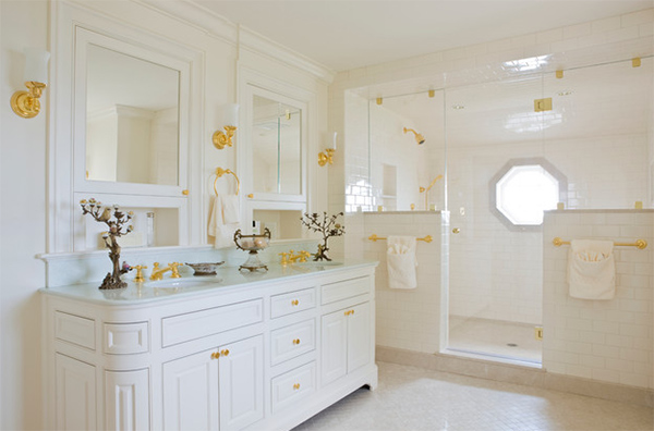 White And Gold Bathroom. Selkirk Ledge