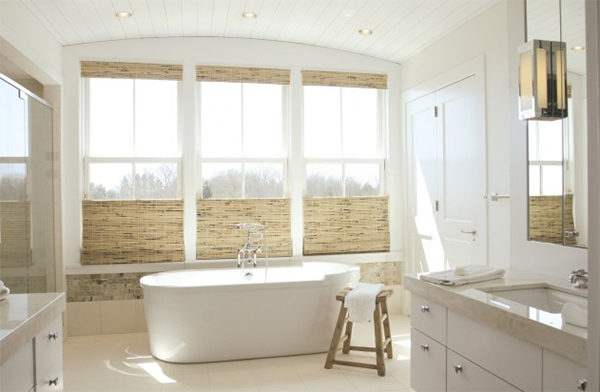 Bathroom Over the Sea