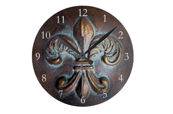Vintage-Look Clock