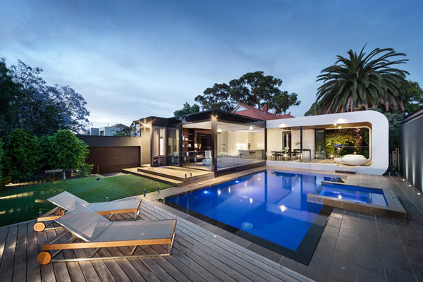 Renovated Heritage Home Dazzling Pool