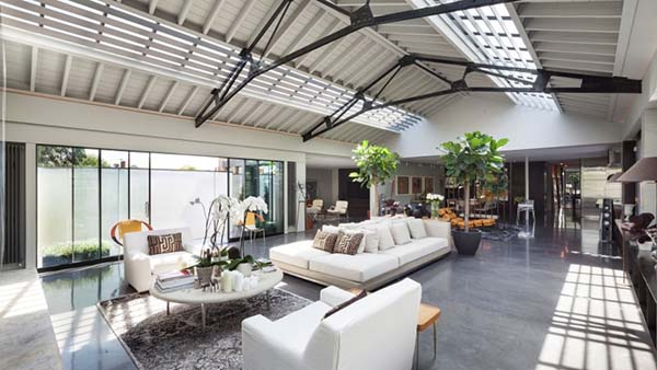 Converted Warehouse talisman building apartment: converted warehouse with vaulted