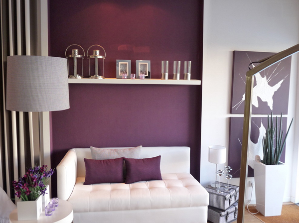 remarkable modern purple living room | 20 Perfect Purple and Gold Living Rooms | Home Design Lover
