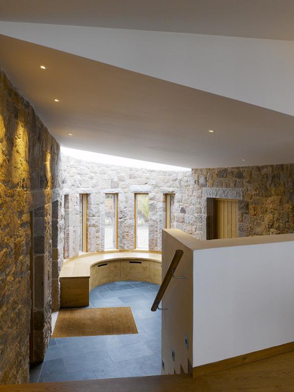 curved interior design
