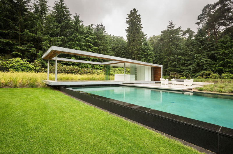Villa Huizen pool