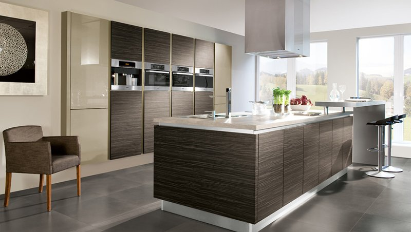 20 ultra modern kitchens every cook would love to own for Contemporary kitchen colours