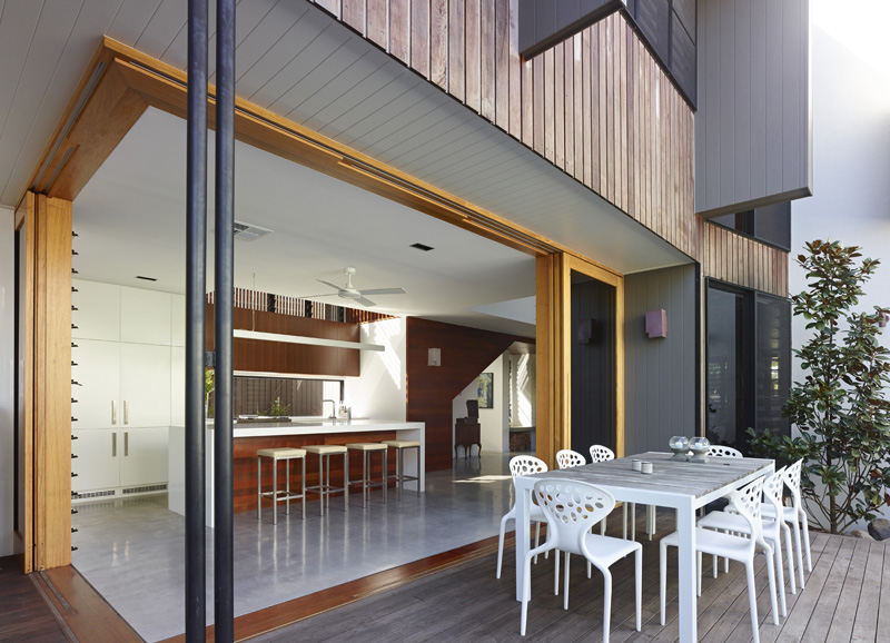 Sunshine Beach House deck