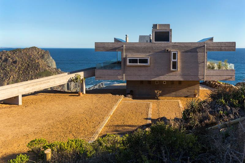 tunguen House cliff