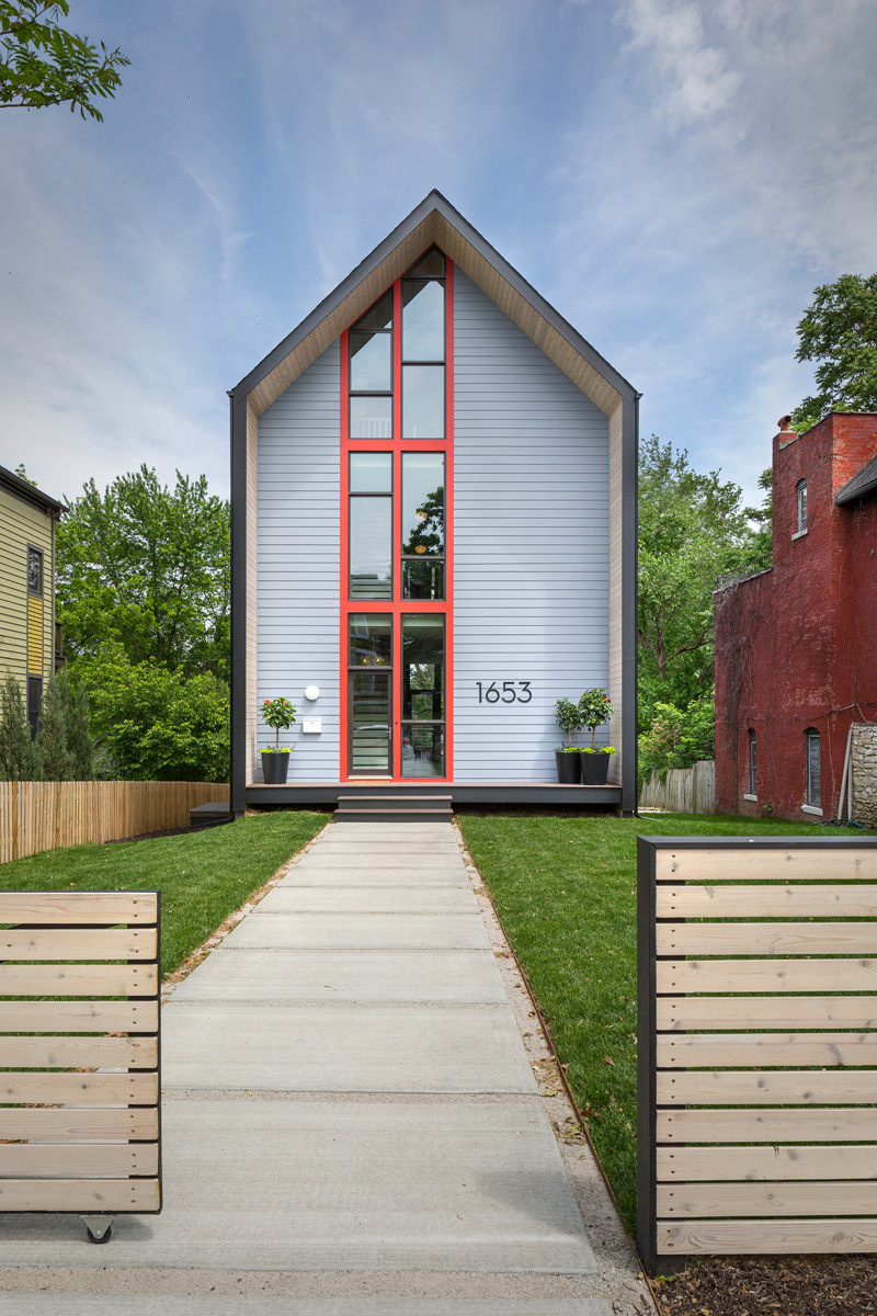 1653 Residence: A Stunning Simple Modern in Kansas City