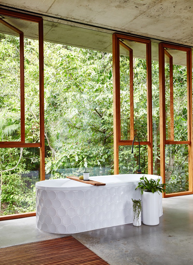 Planchonella Bath Tub