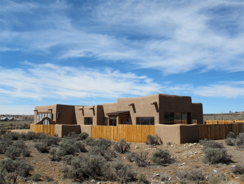 22 earth toned southwestern houses inclined to nature for Territorial home design