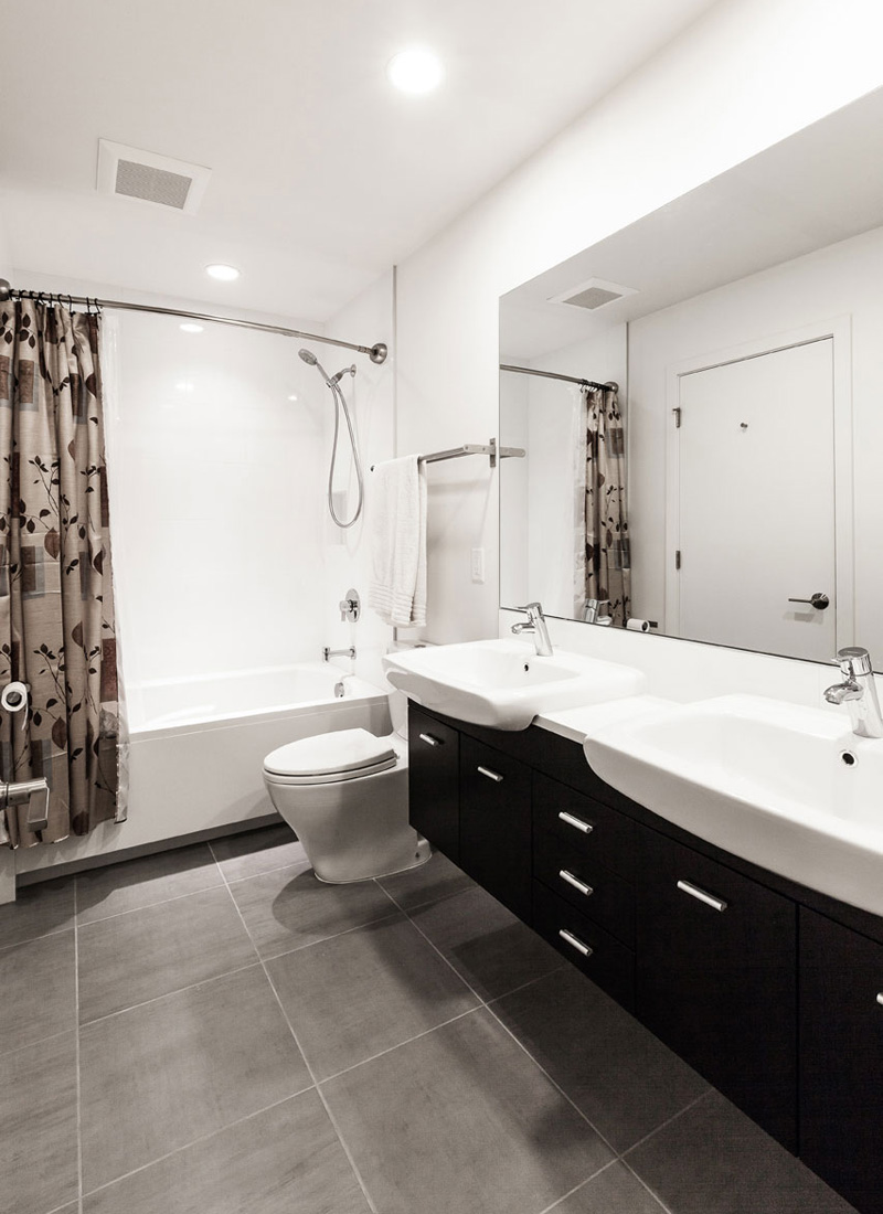 Genesee Townhomes House Bathroom