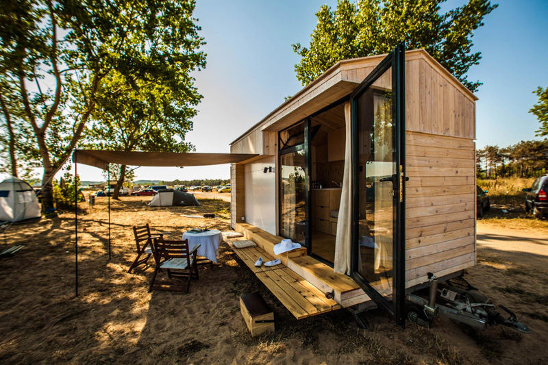 Koleliba A Tiny Vacation Home on Wheels Home Design Lover
