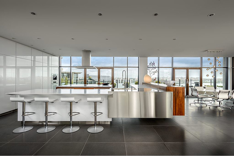 Luxurious Condo-Modern Kitchen