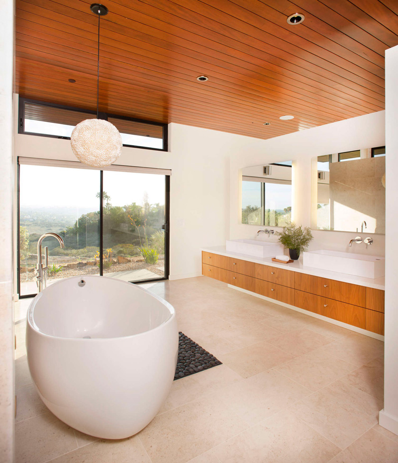 California House bathroom