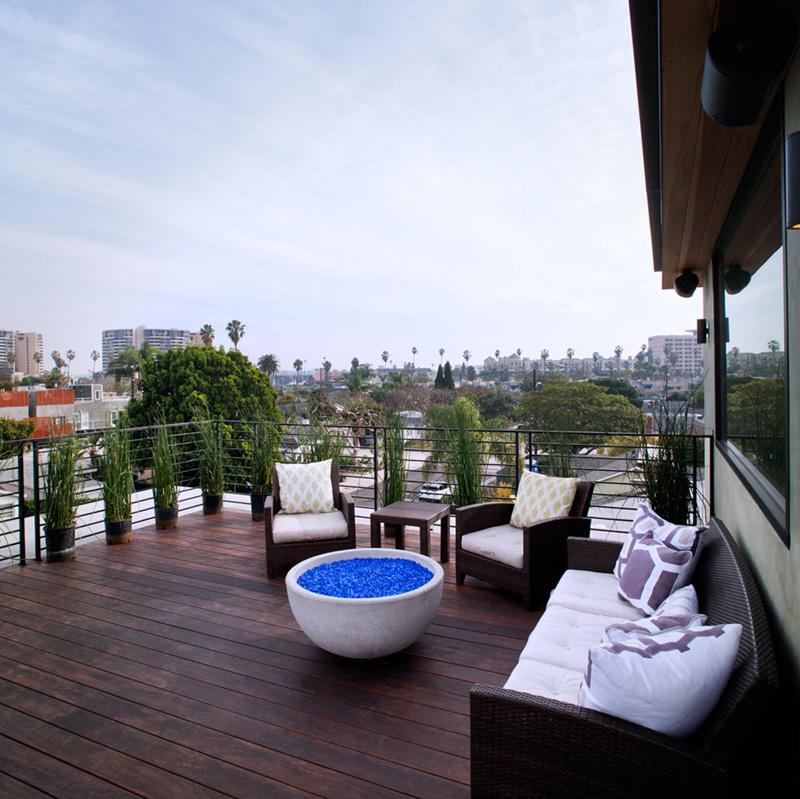 Cloy Residence balcony