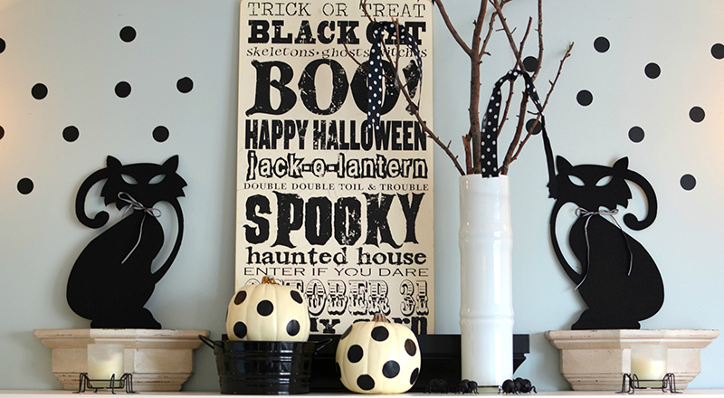 Halloween Decorating: Black and White Polkadots