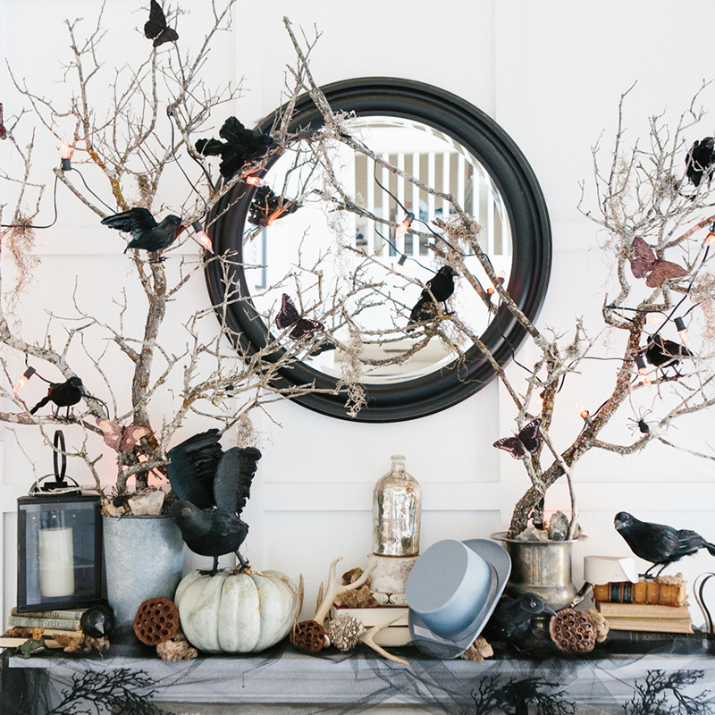 Candice's Halloween Mantel