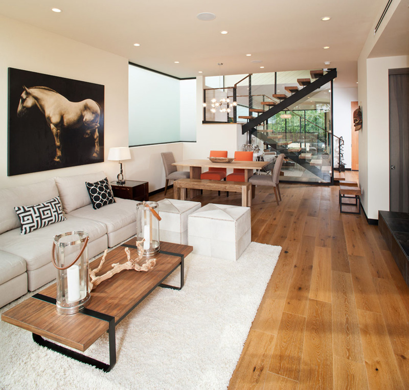 Cloy Residence dining