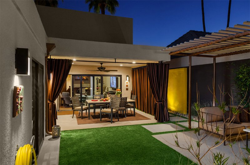 Mid-Century Outdoor Spaces