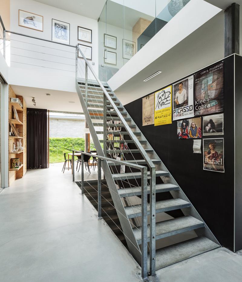 Villa V stairs
