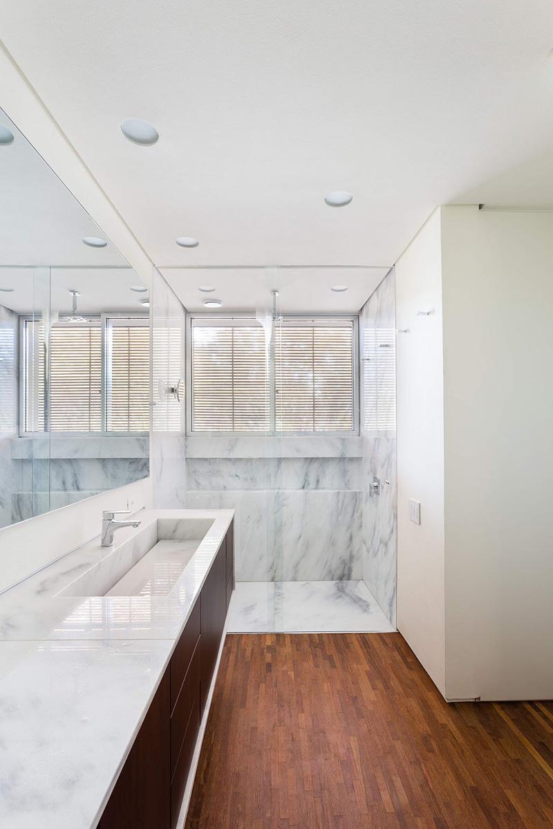 Casa Lara bathroom