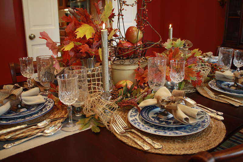 Autumn Leaves and Honey Crisps: Thanksgiving Table Setting