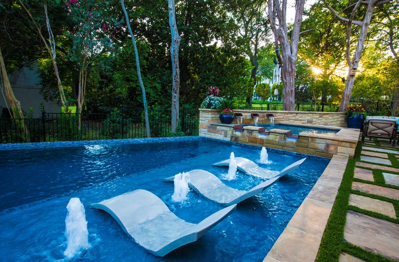 Pool Chairs in 26 Contemporary Settings | Home Design Lover