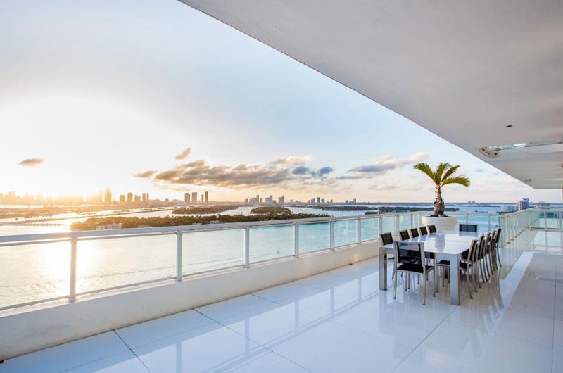 Bentley Bays Penthouse Exterior 2