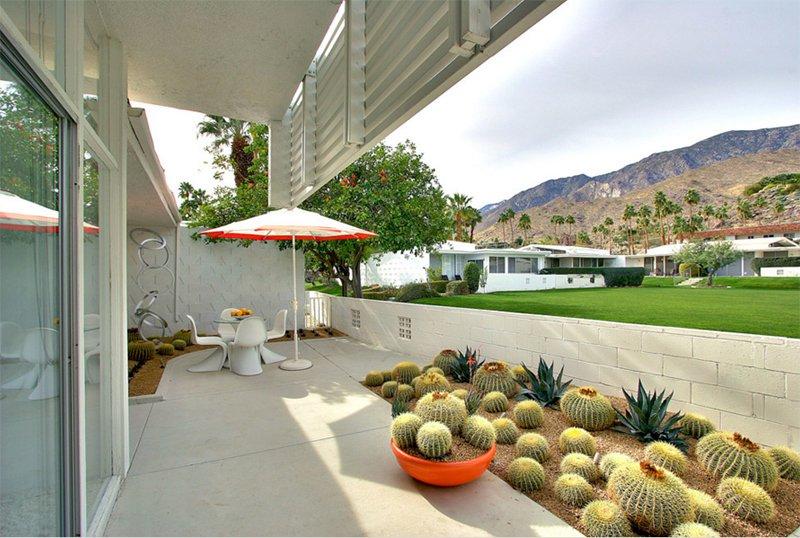 Mid-Century Outdoor Spaces