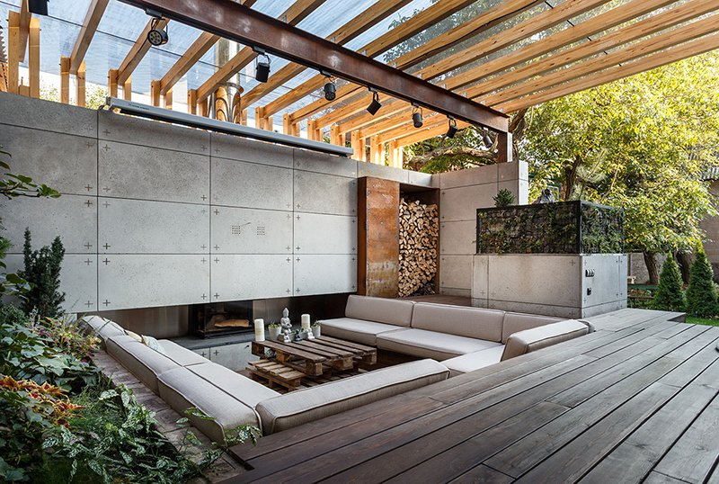 Beautifully Designed Outdoor Lounge Area in Ukraine | Home Design Lover