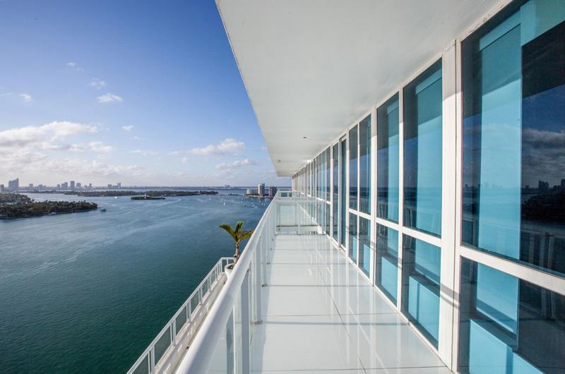 Bentley Bays Penthouse Exterior 3
