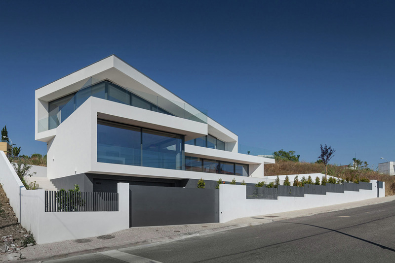 Jc House A Modern Trapezoidal Home In Portugal Home