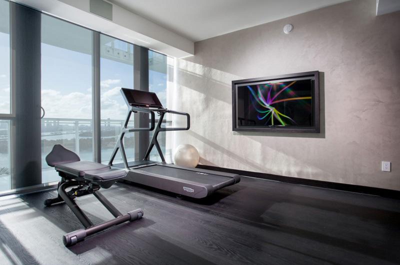 Bentley Bays Penthouse Gym