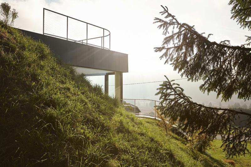 Casa Jura grass