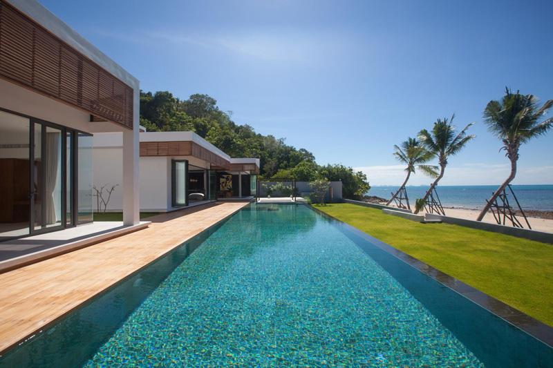 Malouna Villa pool area