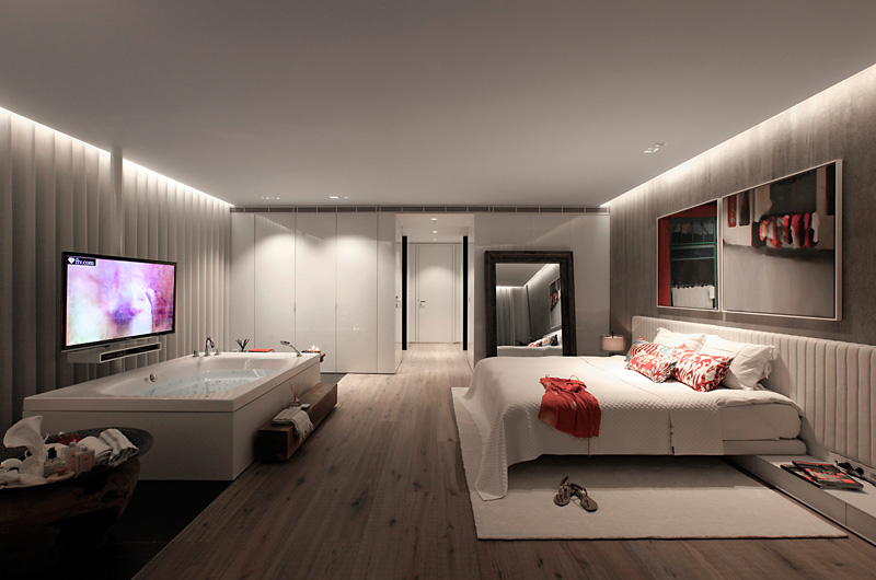 bathtub tv