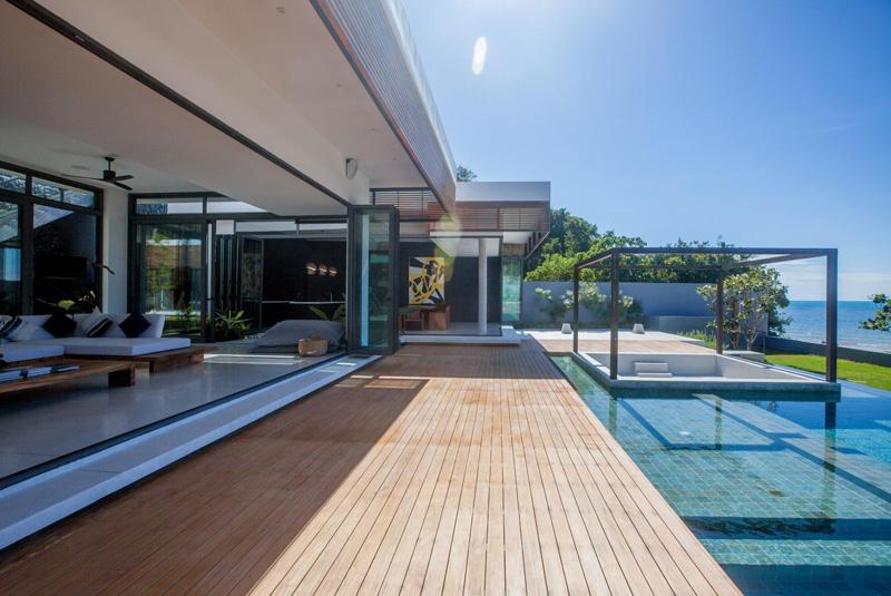 Malouna Villa pool