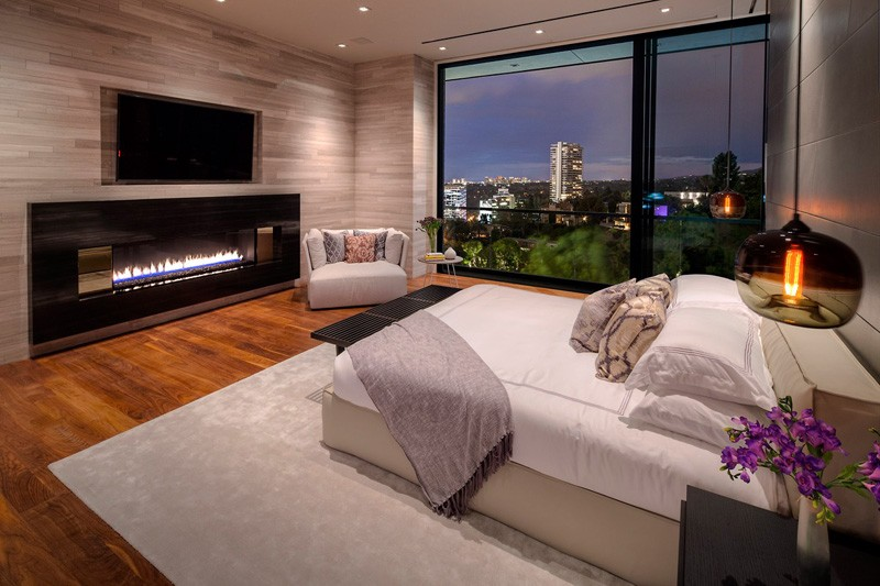 Hollywood Hills Home bedroom