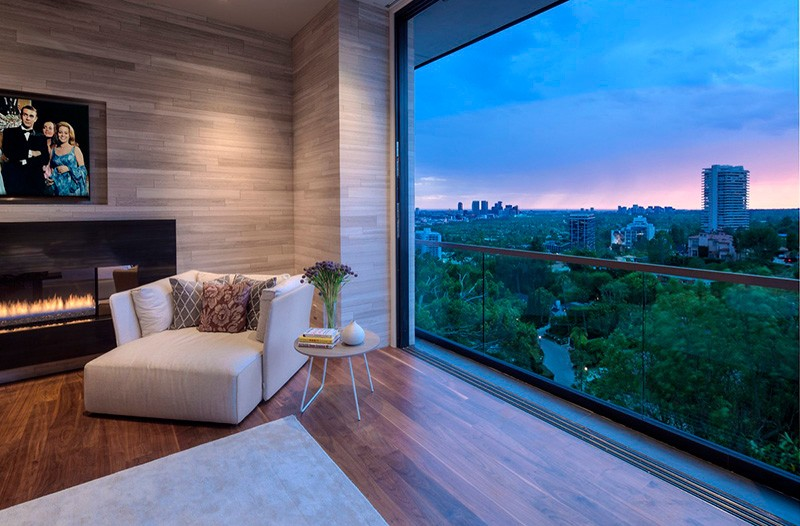 Hollywood Hills Home glass