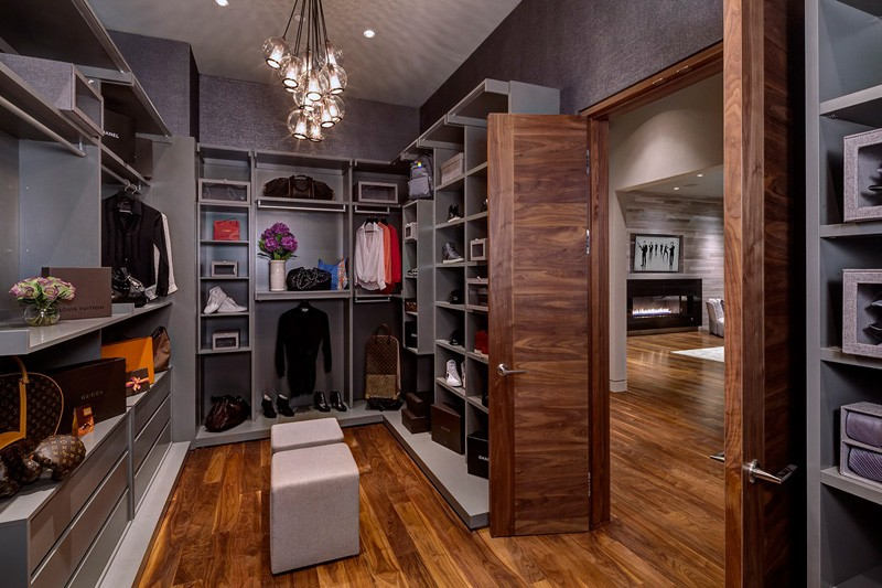 Hollywood Hills Home closet