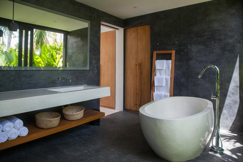 Malouna Villa bath